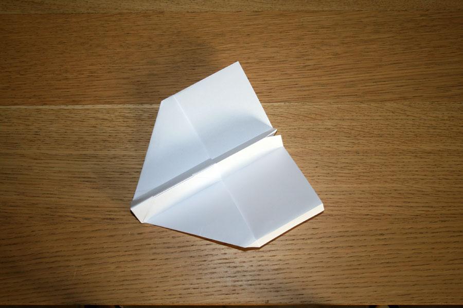 avion en papier pliage 17. Black Bedroom Furniture Sets. Home Design Ideas